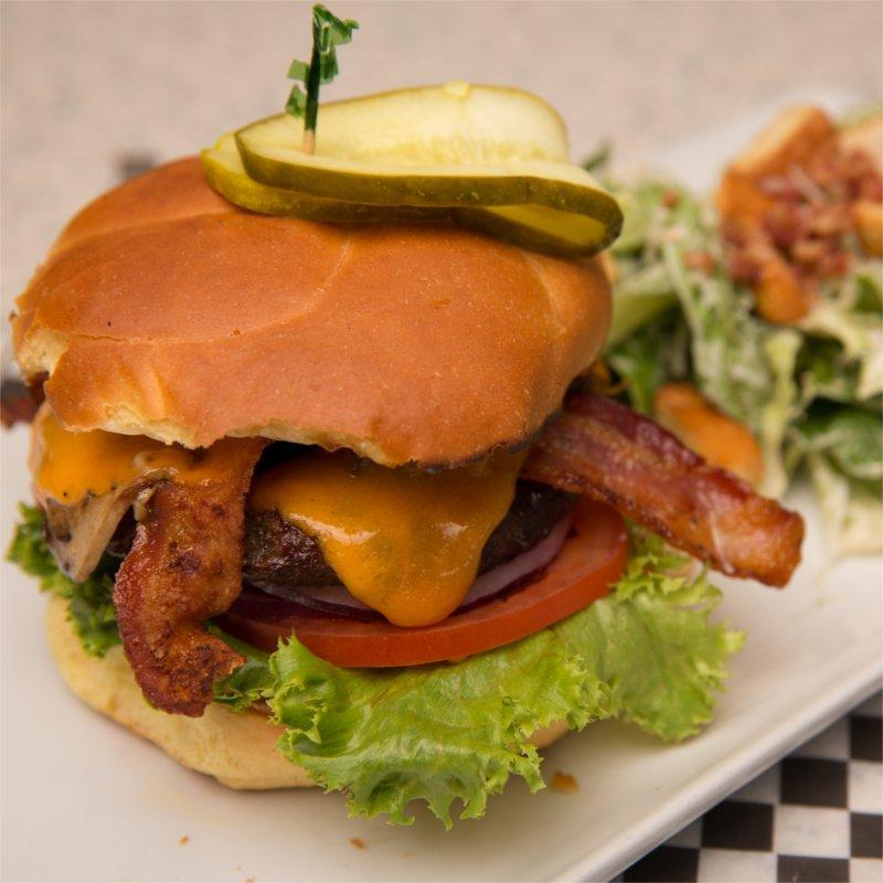 Brandt's Burger - Kelowna Bar | Brandt's Creek Pub